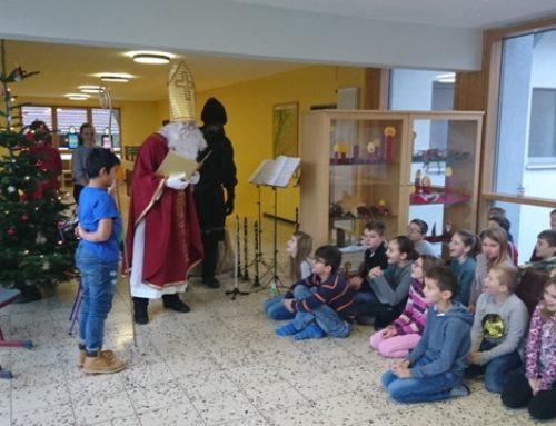 Der Nikolaus besucht die Hörnlebergschule