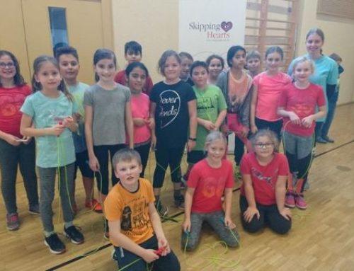 Herz-Vorsorge, die Schulkindern Spaß macht                                                                                                                              Seilspring-Projekt der Deutschen Herzstiftung an der Hörnlebergschule in Winden im Elztal
